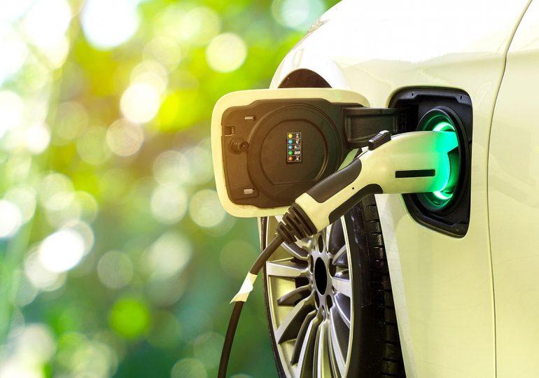 Испытания беспилотных автомобилей производителей Bosch и Daimler.
