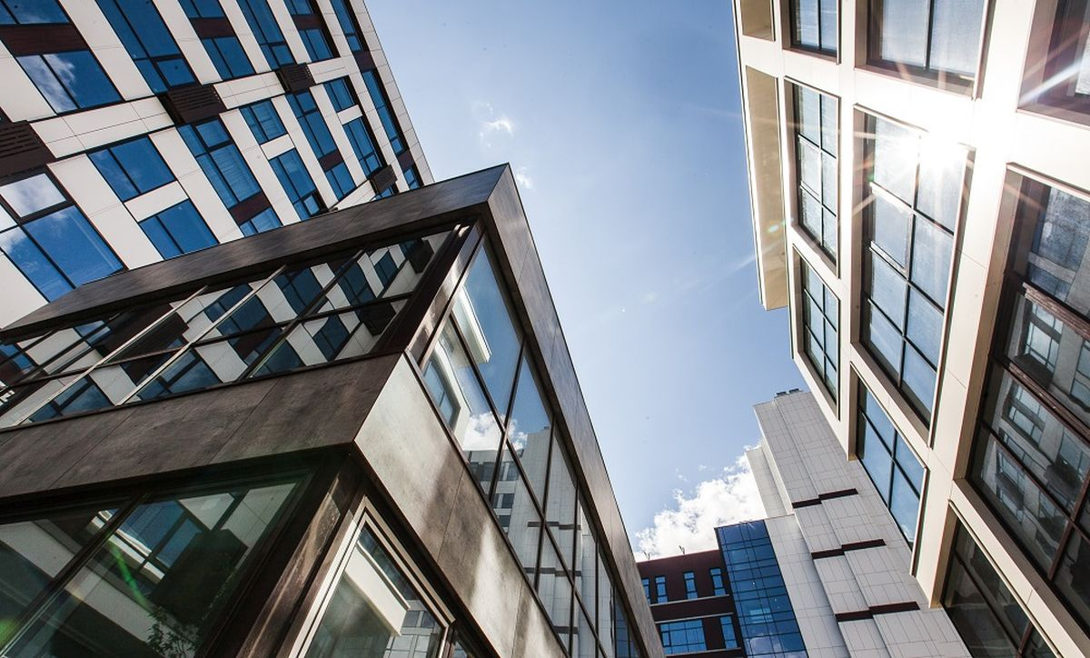 Объем сделок с недвижимостью на рынке России значительно сократился