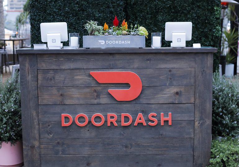 Служба доставки готовой еды DoorDash увеличила свою стоимость в процессе IPO